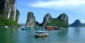 Halong Bay Boat Tour with a local tour guide from Halong City best rate guaranteed