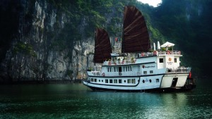 Overview Halong Dragon Pearl cruise