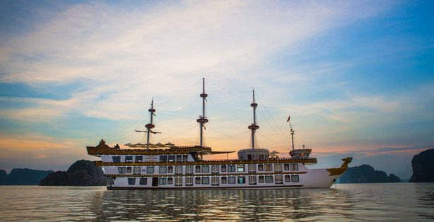 Halong Bay Cruises Dragon Legends Special Discounts in 2015 with VTT