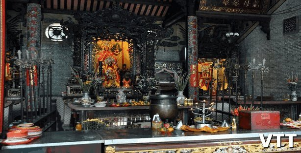 Thien Hau Pagoda Saigon is a place to visit in Saigon Ho Chi Minh city