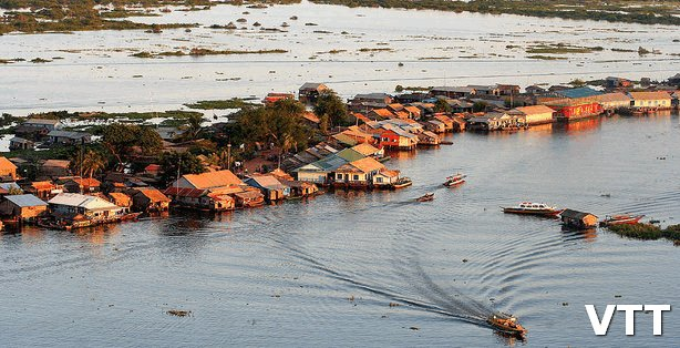 Tonle Sap lake is in Best places to visit in Cambodia list