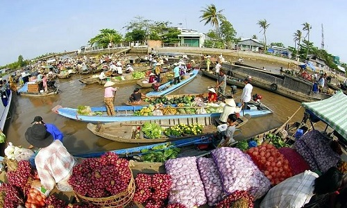 floating market in Cai Rang